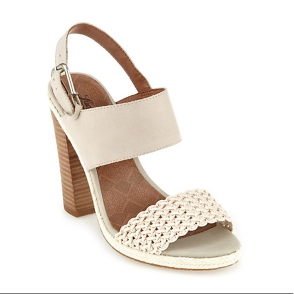 5d5e71d4ecc Lucky Brand Shoes - Lucky Brand Cream Platform Sandals Heels Putnam